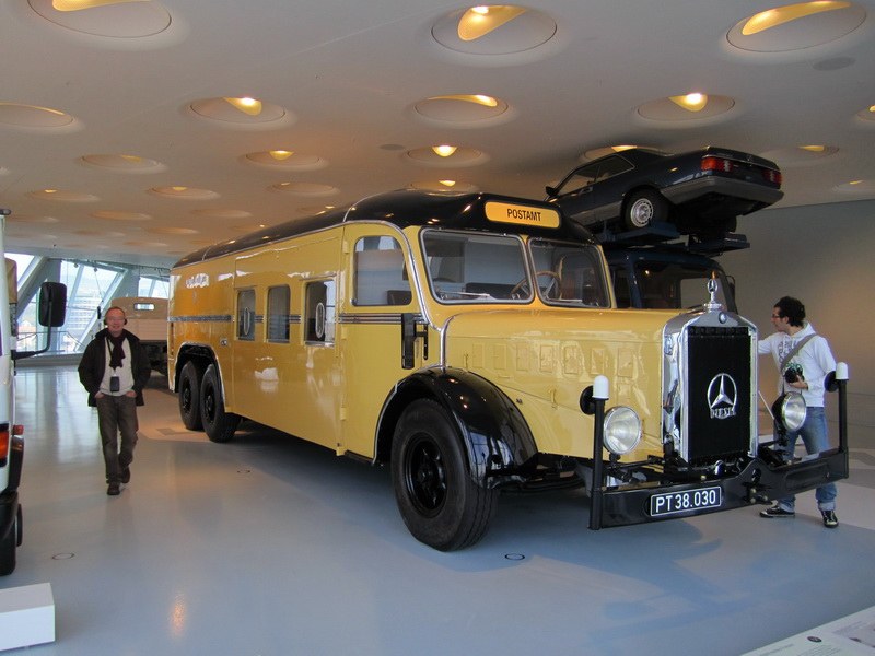 Mercedes-Benz O 10000 mobiles Postamt