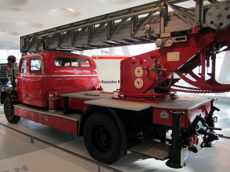 Mercedes-Benz Feuerwehr Drehleiter